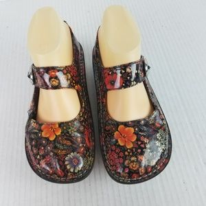 Alegria Sz 7 Patent Leather Floral  Mary Jane Shoe